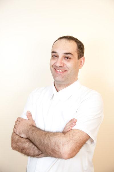 Маргарян Мушег Врамович. Врач-стоматолог, ортопед, хирург, имплантолог.