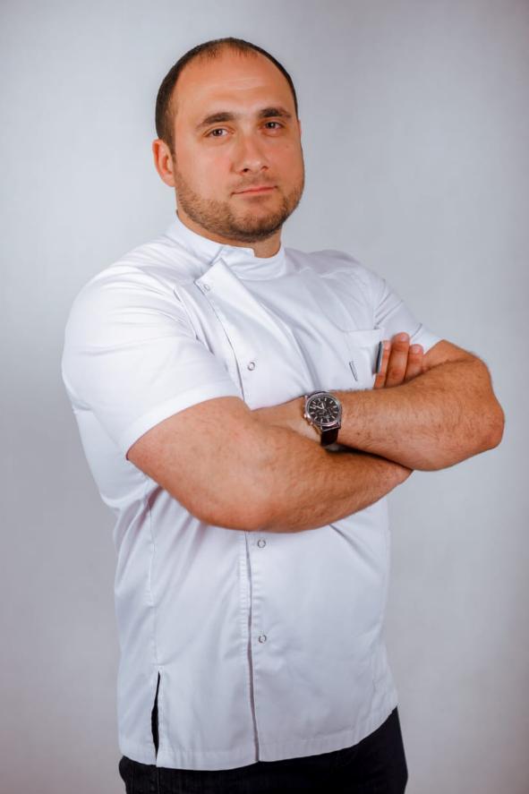 Ибрагимов Аслан Ахмедович, врач-стоматолог,ортопед, терапевт, хирург